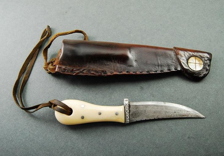 how-to-wear-a-boot-knife-1-1